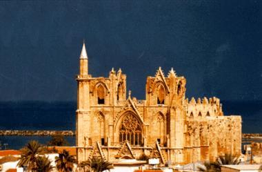 монастырь на северном кипре